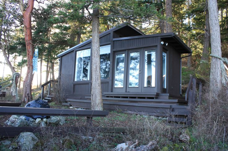A tiny cabin with a tiny studio on tiny Guemes Island - Curbed Seattleclockmenumore-arrow : A drone video flies the cascade of staircases