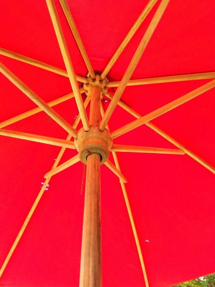 payung teduh sembari menikmati kopi dan sebatang rokok