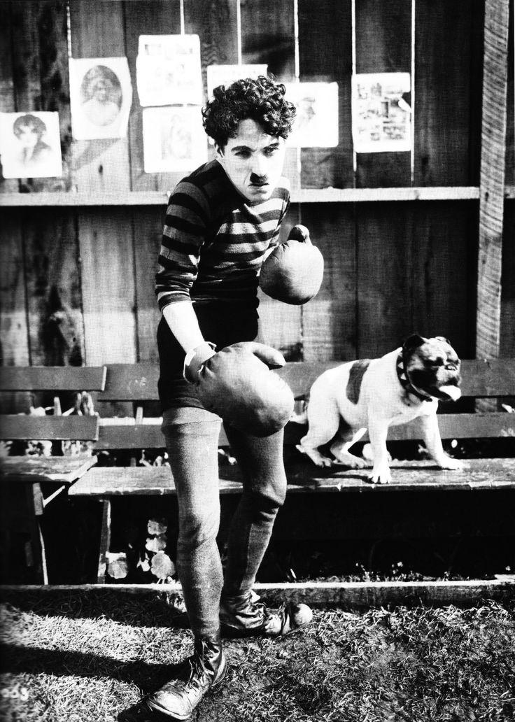 "Charles Chaplin en ""Charlot, Campeón de Boxeo"" (The Champion), 1915"