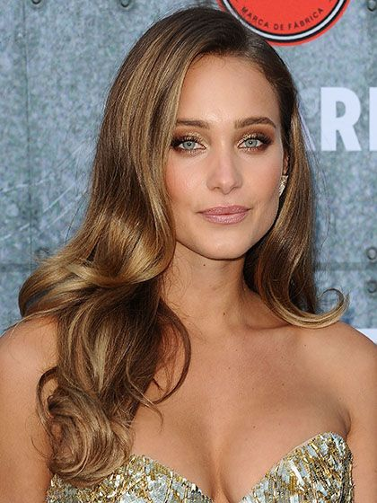 Long Hairstyles - Hannah Davis's Bouncy Blowout | allure.com