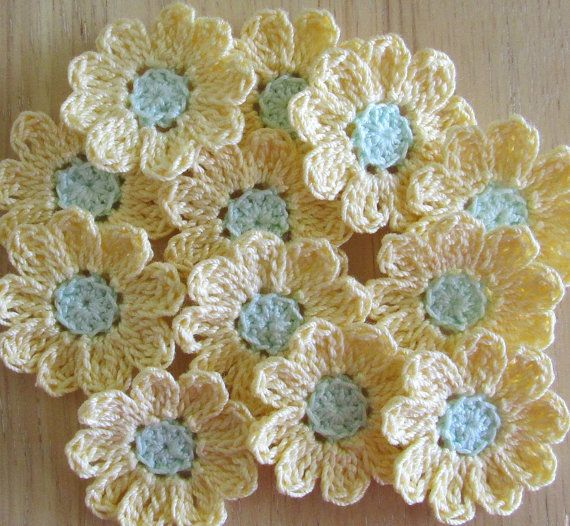 Small+Yellow+Crochet++Flowers+Appliques+by+IreneStitches+on+Etsy