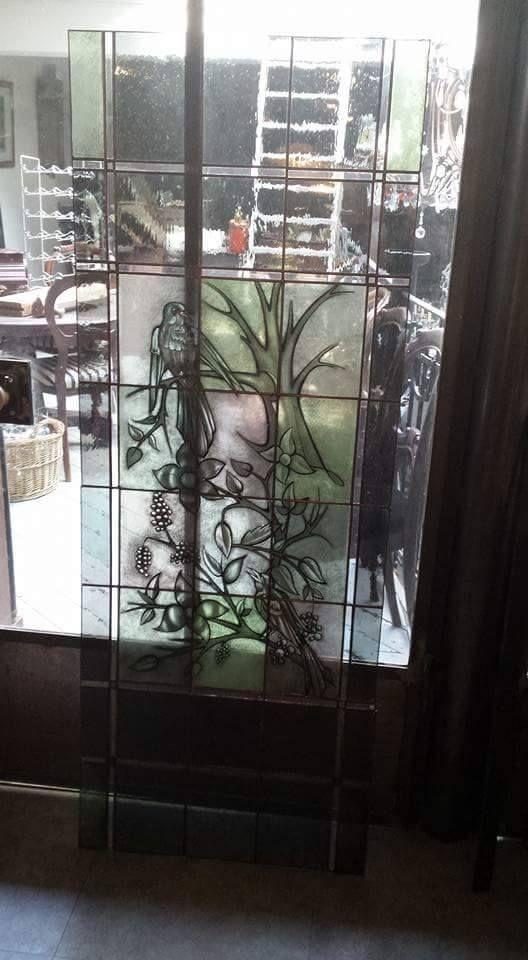 Oude ramen opgeknapt en in een nieuw jasje gestoken, by RannDago