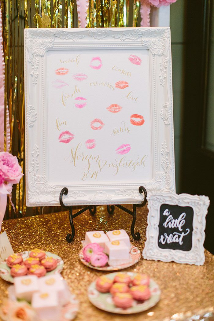 bridesmaids kisses in a frame http://itgirlweddings.com/southern-bridesmaids-brunch/