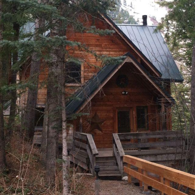 Robert redford 39 s cabin in utah cabin in the woods for Sundance house
