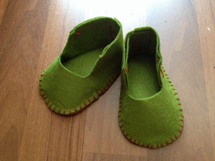 Felt baby shoes for boys