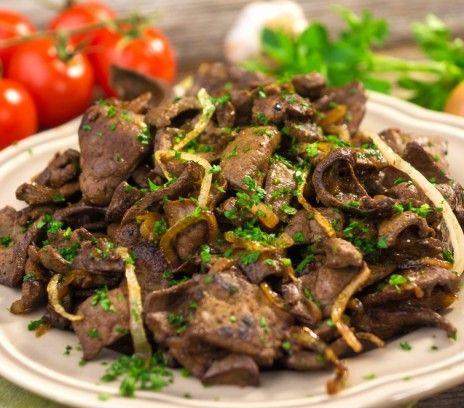 Wątróbka z cebulką - Przepisy.Warto nauczyć się przygotowywać to tradycyjne danie kuchni polskiej. Wątróbka z cebulką to przepis, którego autorem jest: Magda Gessler