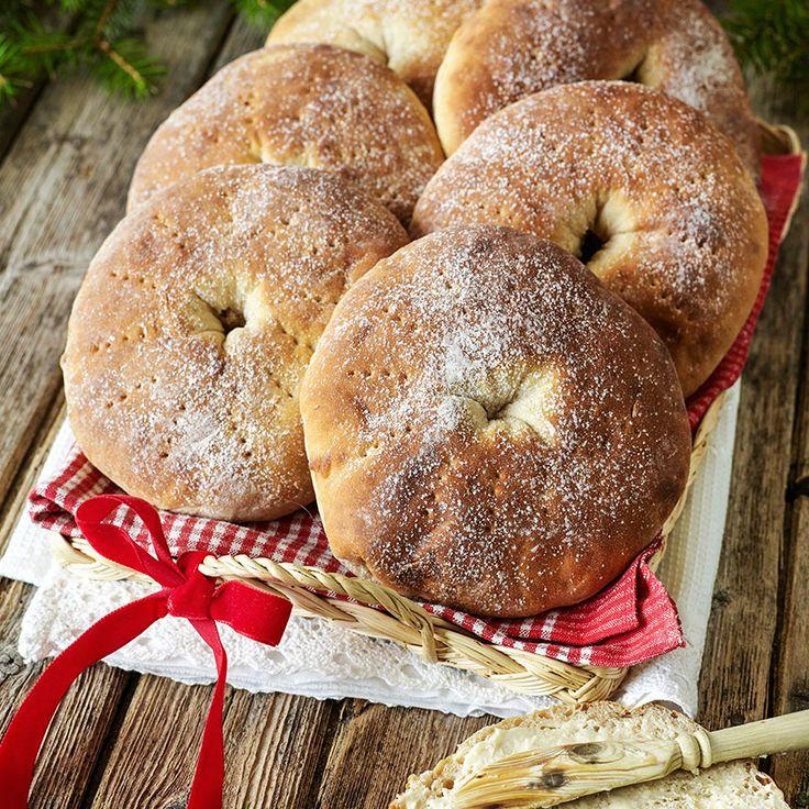 Mjuka hålkakor med anis & fänkål är riktigt goda till frukost och på buffén. Foto Roger Olsson