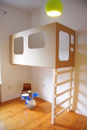die besten 25 etagenbett mit treppe ideen auf pinterest etagenbetten mit ablage kinder. Black Bedroom Furniture Sets. Home Design Ideas