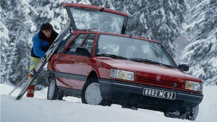 Renault 21 Nevada Break. En 1987 apparaît la Renault 21 Nevada, issue de la berline familiale R21. Dix-huit centimètres plus longue que la berline dont elle dérive, la R21 Nevada atteint une longueur de 4,64 mètres, lui permettant d'accueillir à bord des objets jusqu'à 2,10 mètres. La R21 Nevada propose une banquette arrière rabattable ainsi qu'une seconde banquette en option offrant un total de 7 places, pour satisfaire les familles les plus larges.