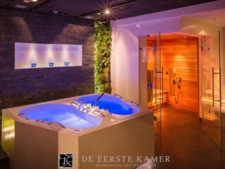(De Eerste Kamer) In deze wellness ruimte is alles aanwezig om heerlijk te ontspannen! Meer foto's van onze badkamers vindt u op www.eerstekamerbadkamers.nl