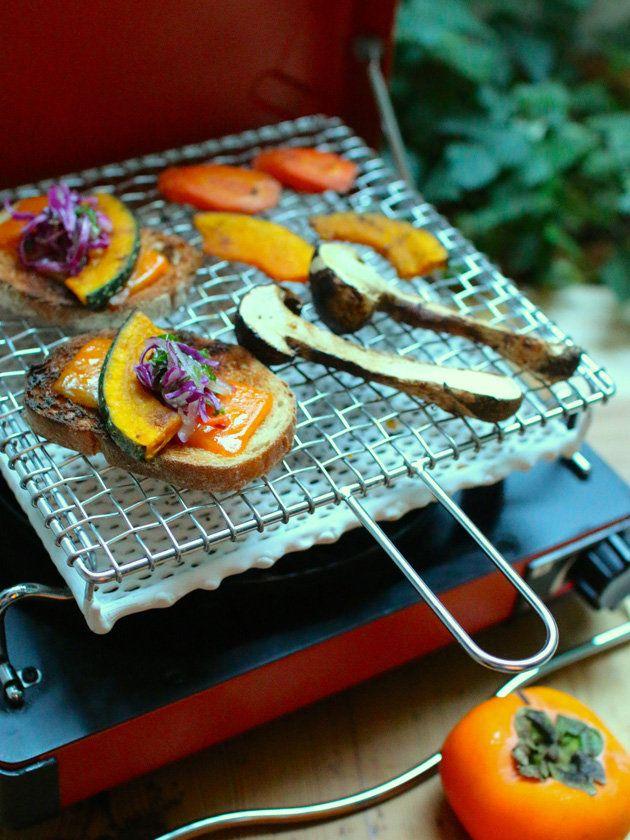 Kitchen Tool : 秋を楽しくする、キッチンツール/「金網つじ」の「手編み手付きセラミック付焼き網」 #kitchentools