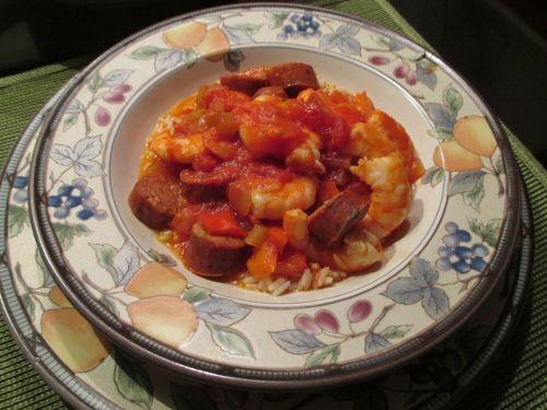 Джамбалайя по-французски https://youtu.be/38rNH9TFY38 – это вкусно, просто и не затратно. Можно сказать: французское блюдо по-нашему.