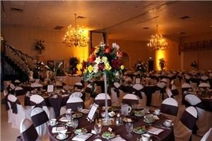 Michael's Eighth Avenue in Glen Burnie, MD offers 14,000 square feet of event space and accommodates weddings from 75 to 1,000 guests. http://www.eventective.com/USA/Maryland/Glen+Burnie/116358/Michael-s-Eighth-Avenue.html
