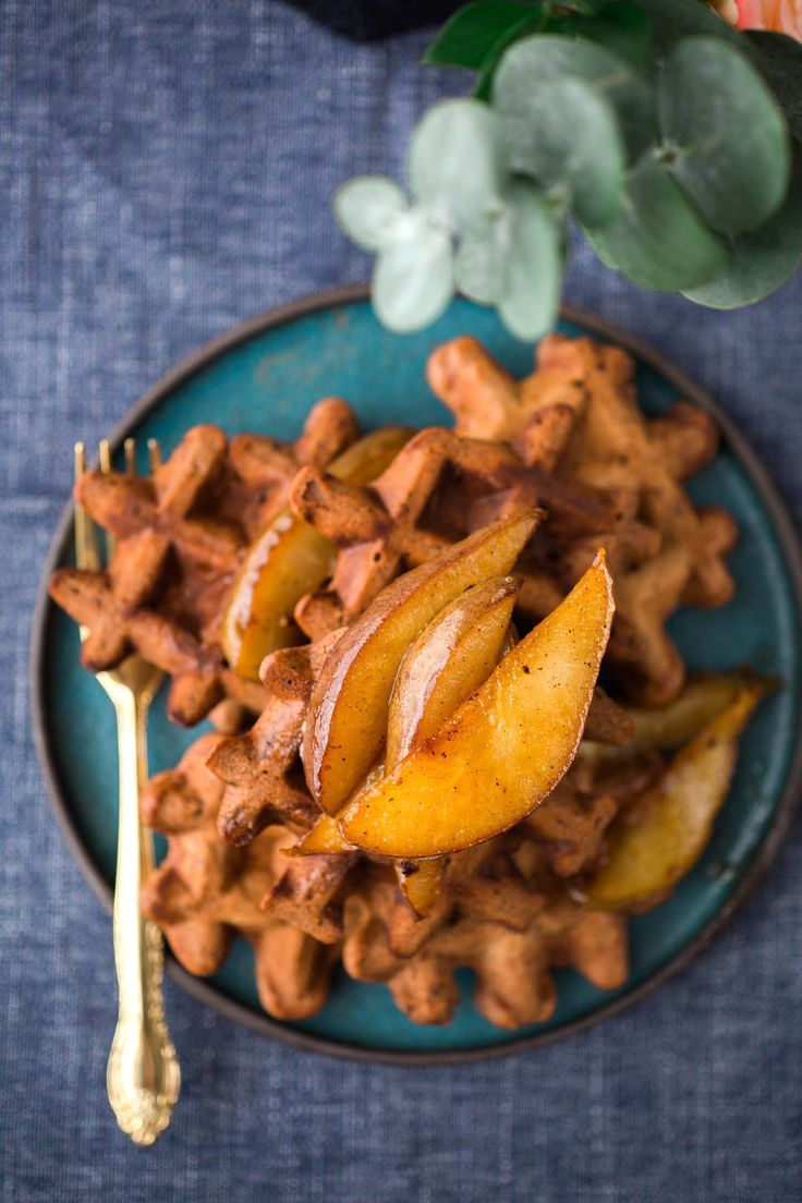 These simple and easy Vegan Cocoa Waffles With Caramelized Pears are the BEST! Crispy on the outside and topped with spiced pears for a perfect lazy breakfast.