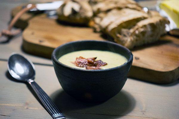 Kartoffelsuppe med porrer – den bedste opskrift på nem suppe