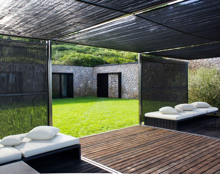 Contemporary House With Amazing Landscape   DesignRulz
