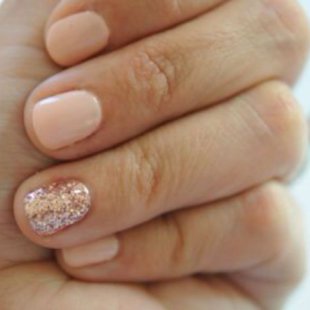 Ivory nails with matching ivory glitter nail and ivory glittery toes.