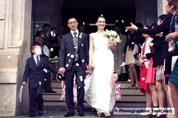 costume marié bleu et gris