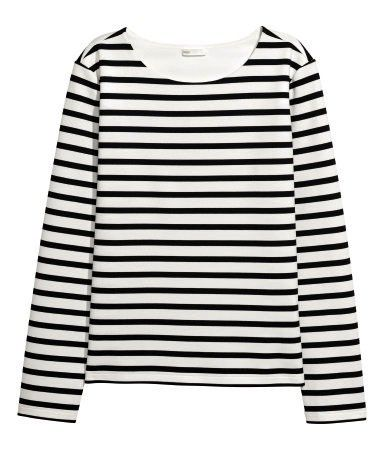 long-sleeved black and white striped tee