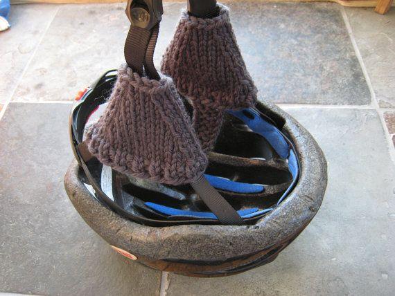 Helmuffs vélo casque oreille chauffe en marron par heidishandknits