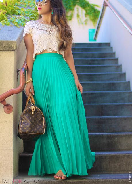 summer chic: green maxi with the lace