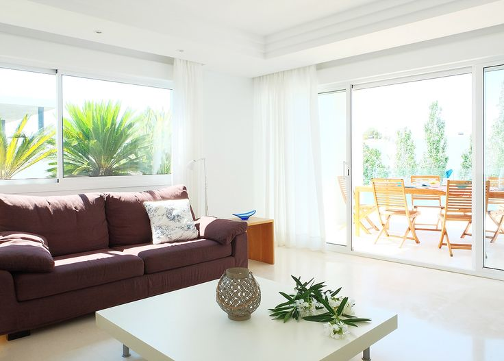 ¿Te gusta nuestro salón en Mallorca? Do you like our living room in Mallorca? http://www.primeresidence.es/#!untitled/zoom/cc0a/image_pr3