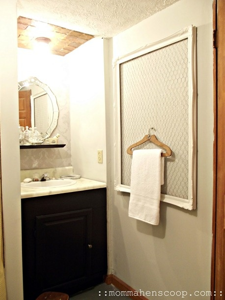 this bathroom was a ZERO DOLLAR overhaul of this bathroom!!: New Home, Decor Ideas, Chicken Wire Frames, Cute Ideas, Bathroom Renovation, Towels Racks, Small Bath, Mobiles Home Bathroom, The Wire