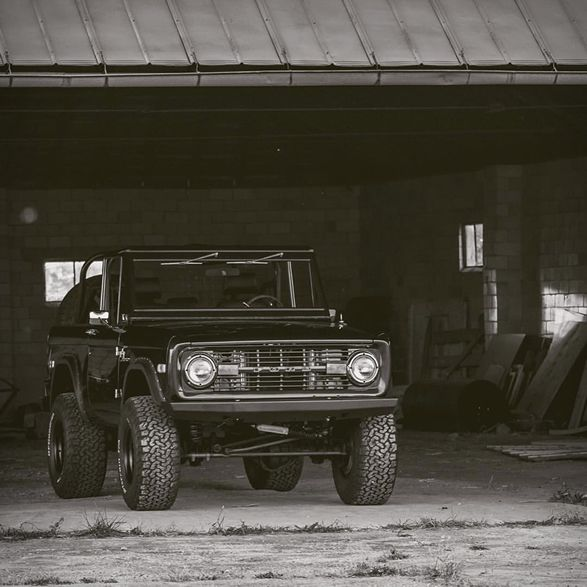 286 best classic bronco images on pinterest early bronco for Garage ford vernon
