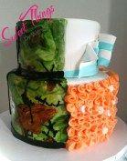 Wedding cake split in half for the happy couple - sweetthingsbywendy.ca
