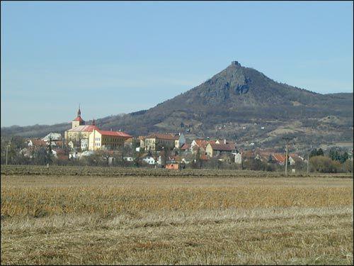 celkový pohled na město s Košťálovem