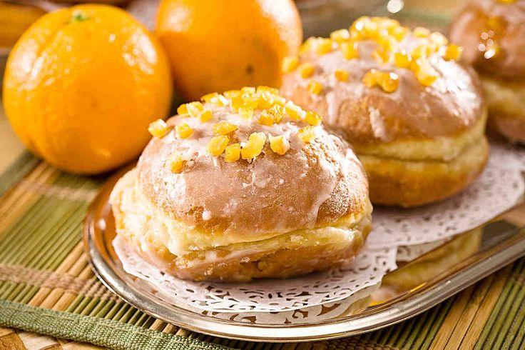 Pączki klasyczne ze skórką pomarańczową #smacznastrona #przepisytesco #paczki #tlustyczwartek #skorkapomaranczy #pycha