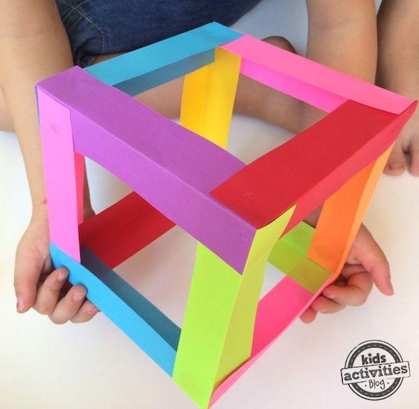 Manualidades infantiles, cómo hacer un cubo de papel