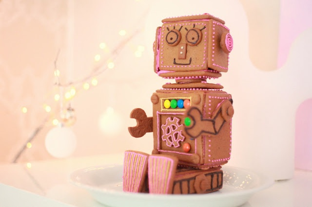 TO EAT (robot biscuit)