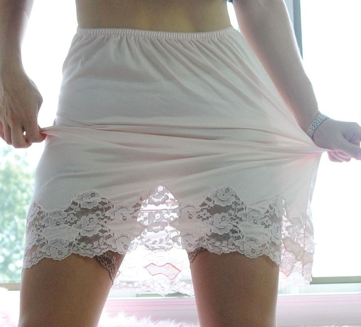 VTG Ashley Taylor Light Pink Exotic Cutwork Lace Soft Nylon Half Slip Skirt sz M #AshleyTaylor
