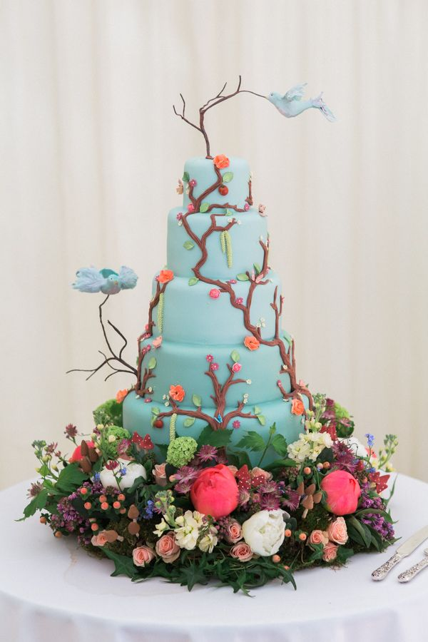 Whimsical Woodland Fairytale Wedding Cake http://www.lisadawn.co.uk/