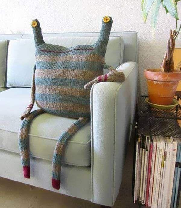 Креативные декоративные подушки на диван своими руками
