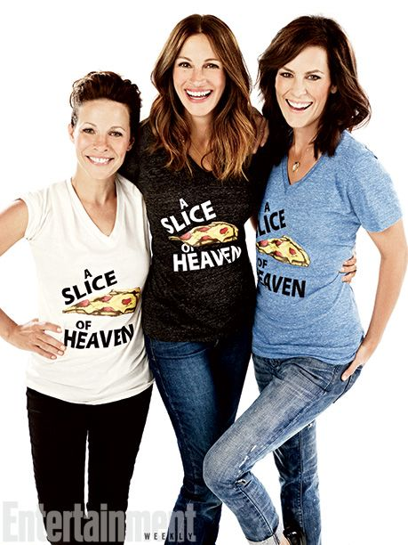 Lili Taylor, Julia Roberts, Annabeth Gish ~ Mystic Pizza Reunion! I loved the movie, and I really love that the women look even better with age! Hurray!