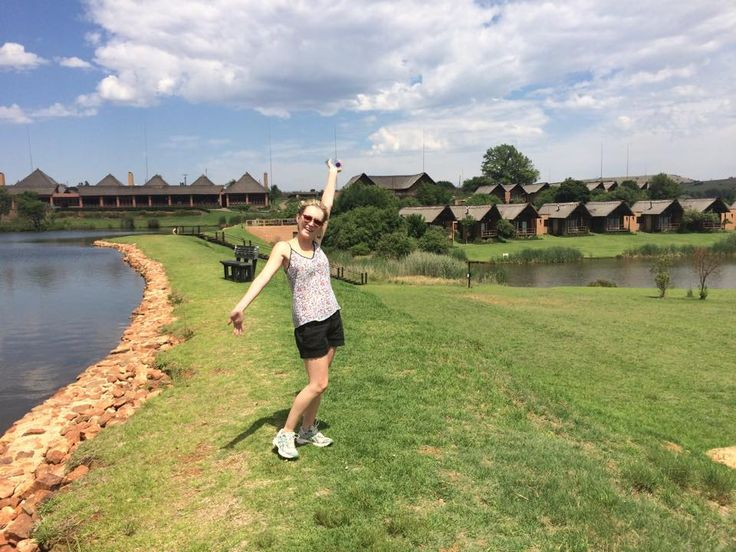 Nadia Valvekens Actress having an absolute ball at Kloofzicht Lodge & Spa over the past weekend! Nadia Valvekens is a South African actress best known for co-presenting the first season of the SABC2 reality show Die Nutsman (2003), and for her role as Nicole Kannemeyer on the soapie 7de Laan, from 2004-2005. She also has a starring role as Pippa Venter on the kykNET soapie Binnelanders, since 2005. Looking forward to welcoming you backs soon! #atGuvon #GuvonCelebs