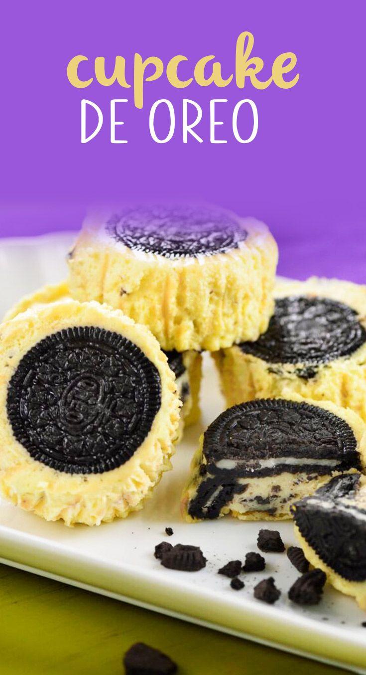 Estos cupcakes de oreo llevan una galleta de oreo abajo y van rellenos con una mezcla de oreo y pay de queso. ¡DELICIOSOS E IRRESISTIBLES!