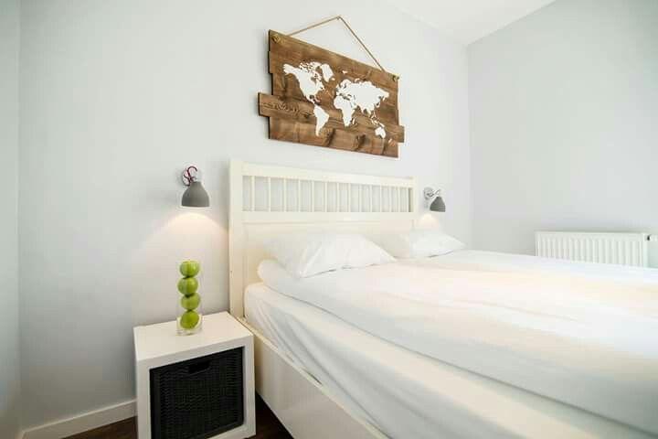 """Słoneczny apartament """"Chmielna Garden I"""" z prywatnym ogrodem znajduje się w samym sercu Gdańska, na Wyspie Spichrzów."""