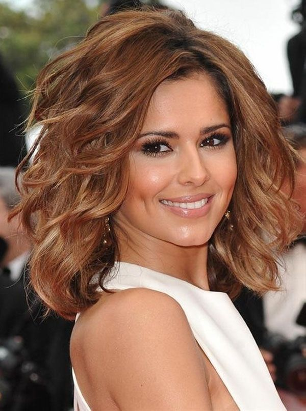 Medium Hairstyles For Thick Wavy Hair=== it's the color that does it for me