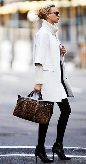 White coat + leopard print bag - http://ameblo.jp/nyprtkifml