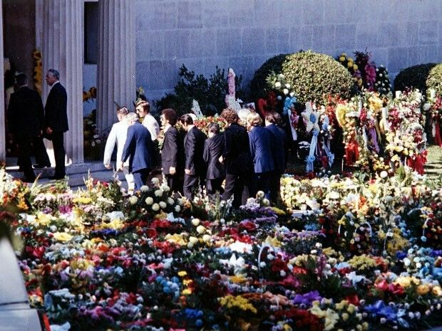 Graceland after the death of Elvis Presley. 1977.