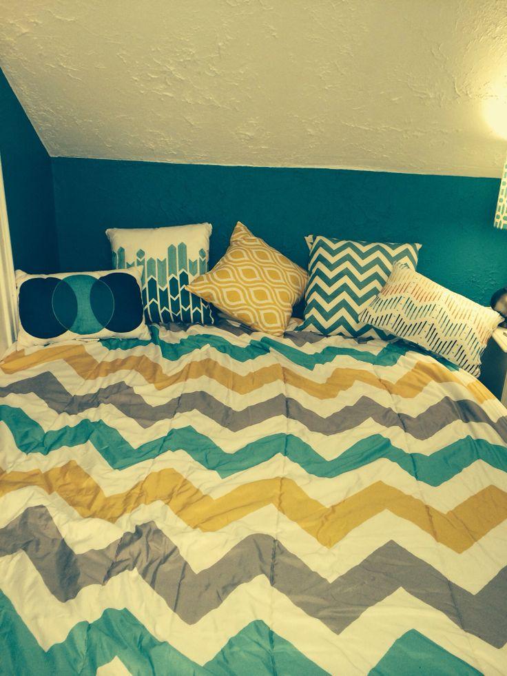 Teen bedroom bed spread