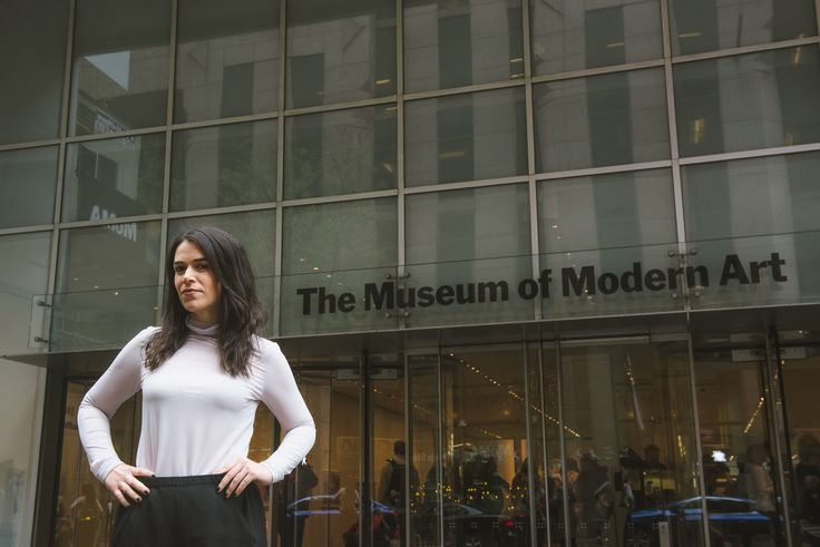 Broad City s Abbi Jacobson wants to help you understand modern art #Celebrity #broad #jacobson #modern #understand