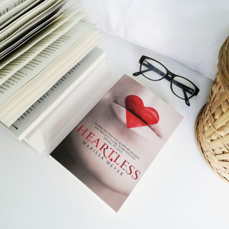 HEARTLESS BY MARISSA MEYER | BUDDY READING WITH MOONLIGHT BOOKS