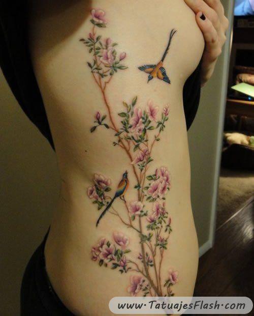 tatuajes de pajaros y flor de cerezos