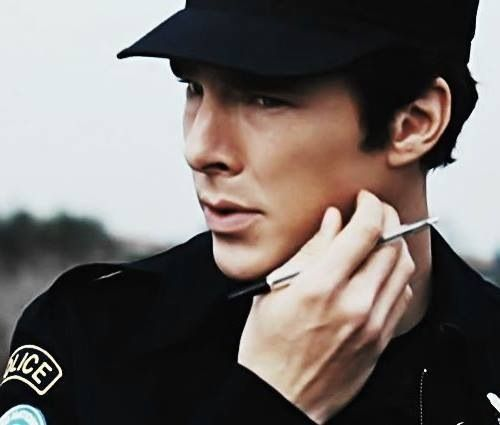 Ben in a cop uniform.... I don't think I need to say anything #sexyhatbatch