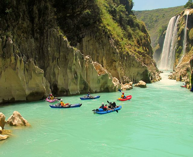 The Santa Maria River is one of the most beautiful rivers in the North of Mexico this river is made out of blue tourqousi water and white walls canyons.