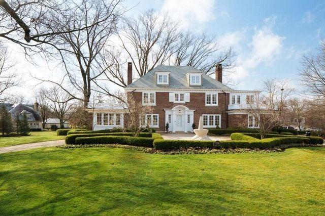 1981 Tremont Rd, Upper Arlington, OH 43212 - Home For Sale and Real Estate Listing - realtor.com®